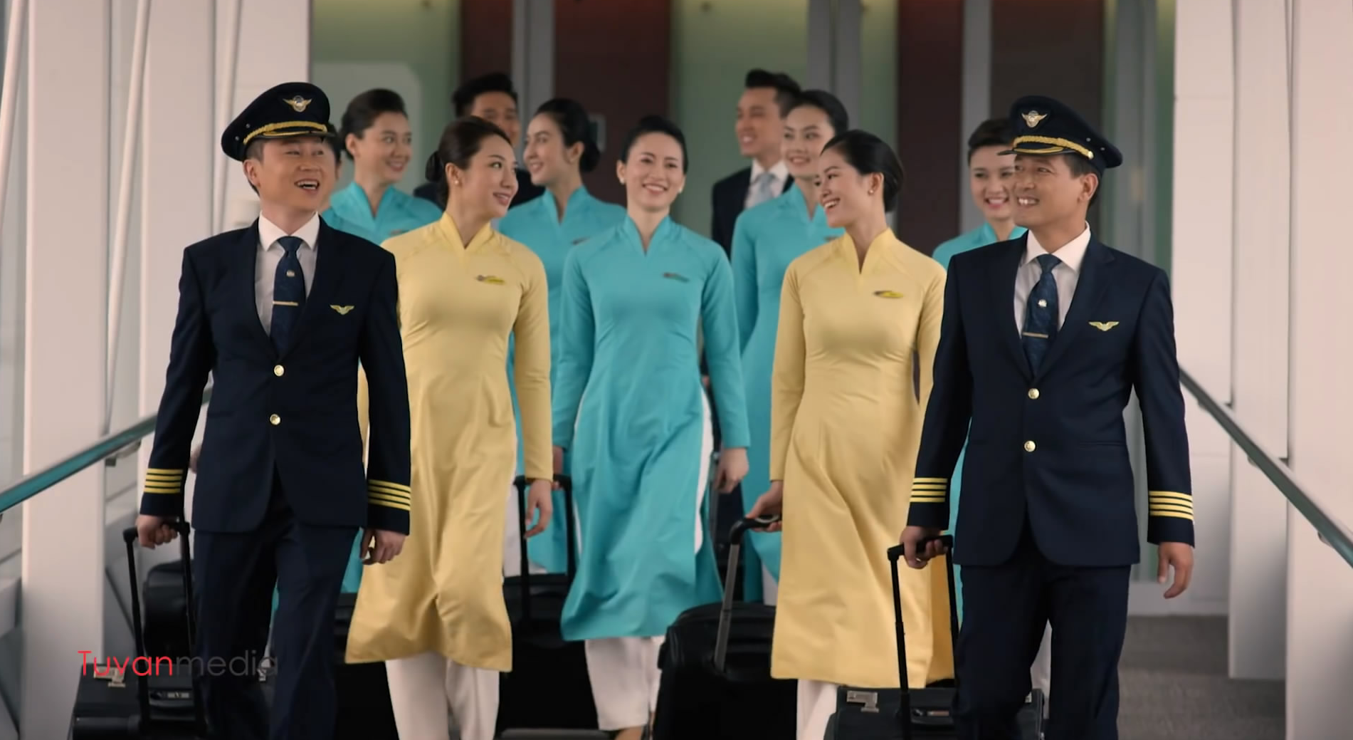 TVC  Vietnam Airlines - Golden Lotus